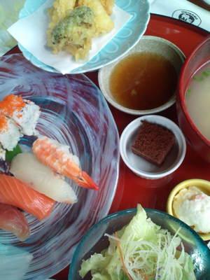 「神鮨」(かみすし)のランチセット(握り寿司4貫)