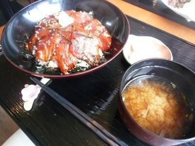 中城にある まぐろ亭の漬けまぐろ丼¥1,200