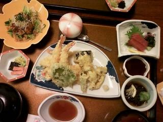 老舗家海老料理 味の店 三郎本店の天ぷらなど