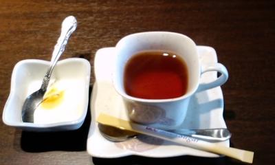 お手頃ランチ 焼肉ダイニング幸の紅茶
